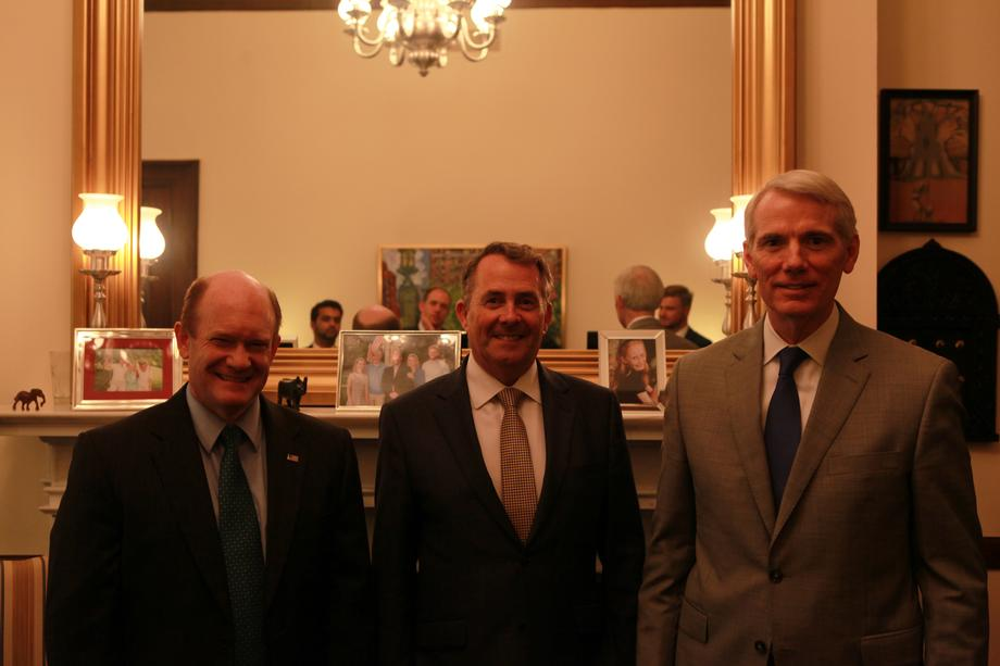 2018-07-25 Sens. Coons and Portman with Liam Fox, UK Secretary of State for International Trade